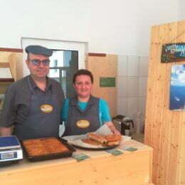 Un antreprenor elen a vândut într-un an, la Brașov, produse tradiționale grecești de 50.000 de euro