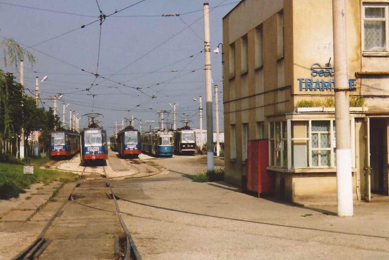 Analiza demolării pentru fostul depou de tramvaie din Tractorul. Edilii vor să amenajeze o creșă pe o porțiune din teren