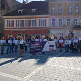 O femeie este bătuta la fiecare 30 de secunde în România. Protest la Brașov împotriva violenței domestice