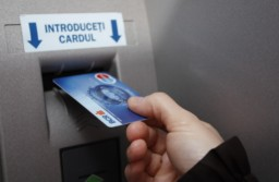 BCR anunță probleme în ceea ce privește funcționarea sistemului de carduri, atât la bancomate, cât și la plățile online sau cu POS