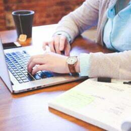 STUDIU BestJobs: 70% dintre angajații români vor să își dezvolte competențele tehnice. 32,3% sunt preocupați să învețe o limbă străină