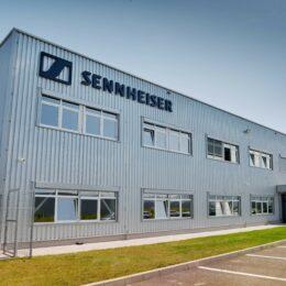 Germanii de la Sennheiser, cu o fabrică la Ghimbav, au vândut divizia Consumer către elvețienii de la Sonova. Operațiunile din România nu sunt afectate