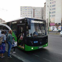 Elevii de clasele primare vor putea beneficia de transport gratuit la şcoală – proiect adoptat de Camera Deputaților