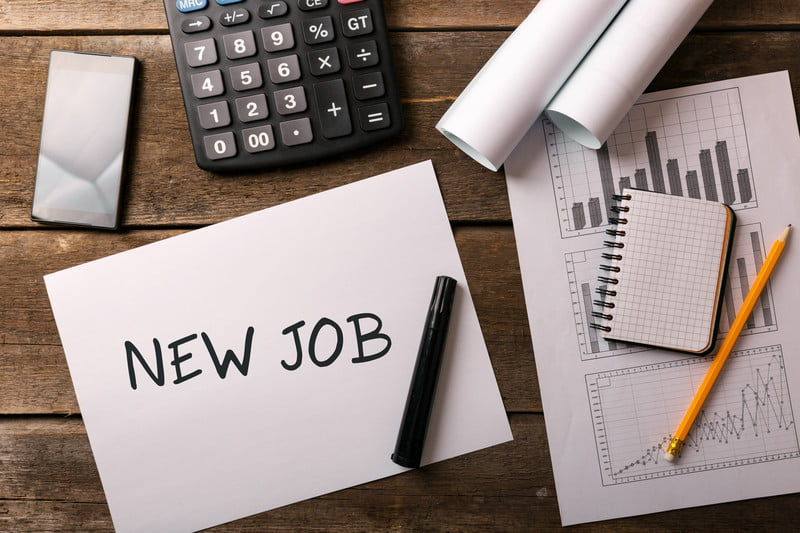 BestJobs: Românii își caută loc de muncă și în timpul verii. Care sunt joburile preferate de aceștia în luna iunie