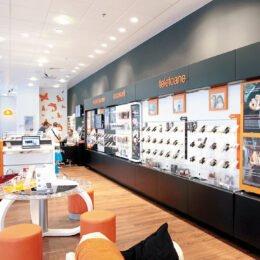 """Orange deschide """"Banca de Net"""", un fel de casă de ajutor reciproc, atât pentru clienții care au abonament, cât și pentru cei pe cartelă"""