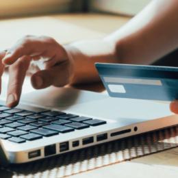 Noi reguli pentru plăţile online cu cardul din 2021: băncile vor cere autorizarea tranzacţiilor prin 3D Secure