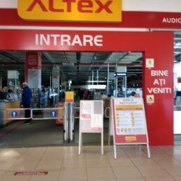 Altex își continuă planul investițional și face angajări. 1.000 de posturi disponibile în magazinele din toată țara