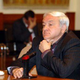 """Aristotel Căncescu, fostul șef al CJ Brașov, condamnat la trei ani și trei luni cu suspendare în cadrul dosarului """"Bani pentru partid"""". Toți inculpații au primit """"cu suspendare"""""""