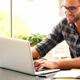 Firmele pot da 400 lei lunar celor care lucrează de acasă pentru plata facturilor