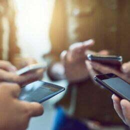 Cipuri de securitate pentru telefoanele mobile Samsung. Dispozitivele vor fi protejate împotriva actualizărilor software neautorizate