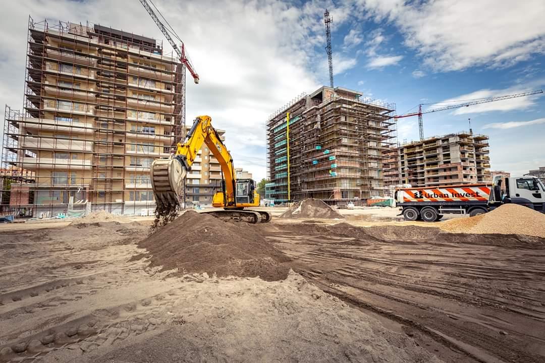 Șoc pe piața imobiliară: Aproape 1.100 de locuințe vândute în Brașov luna trecută/ Achizițiile de terenuri aflate în intravilan s-au dublat față de anul trecut