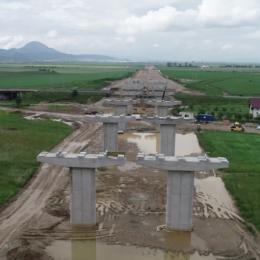 După 6 ani în care s-a bătut pasul pe loc, autostrada Făgăraș – Sibiu ar urma să fie scoasă la licitație pentru proiectare și construcție
