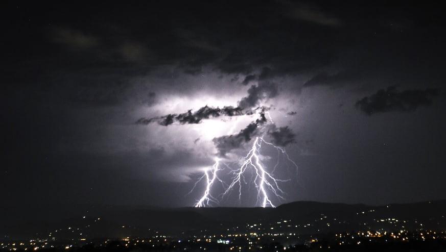 schimbari climatice furtuni violente pagube