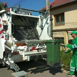Primăria plătește 140.000 de lei unui consultant care să pregătescă licitația pentru ridicarea gunoiului menajer al brașovenilor. Contractul este estimat la peste 32 de milioane de lei
