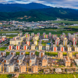 Antreprenorul Simon Maurer a vândut luna trecută peste 200 de apartamente în toată țara, jumătate dintre acestea fiind în Brașov