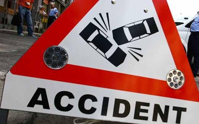 Trafic blocat pe Calea Feldioarei, după un accident cu patru victime