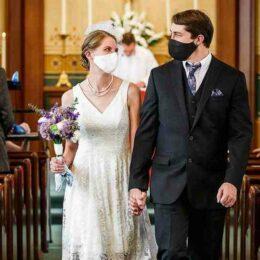 Propunere a Ministerului Economiei: la nuntă și la botez doar cu test sau vaccin anti-COVID. În zonele cu peste 50% dintre persoane vaccinate s-ar putea ridica restricțiile de noapte