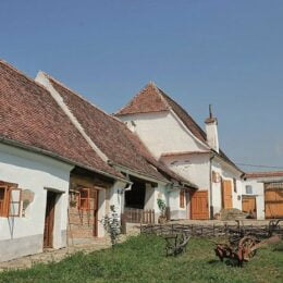 Case săsești, vechi de peste 200 de ani, recondiționate cu sute de mii de euro pentru a atrage turiști