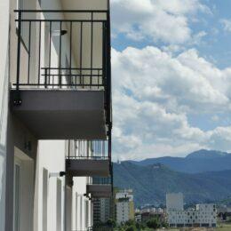 """FOTO Black Friday în rezidențial: Un dezvoltator brașovean """"taie"""", luna aceasta, 2.000 de euro din prețul apartamentelor"""