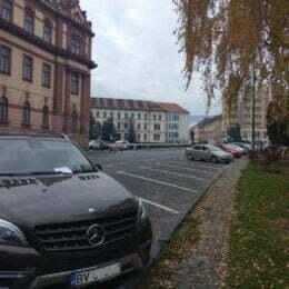 """Primăria Brașov vrea să dea în judecată P&P pentru a obliga firma să respecte noul regulament al parcărilor. """"Parcările sunt gratuite duminica și de luni până sâmbătă între 8 seara și 8 dimineața"""""""