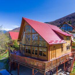 Pensiunea Carpathian Log Home – de la un experiment la afaceri de 250.000 de lei pe an