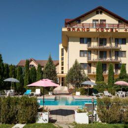 Grand Hotel Brașov: Afacerile au căzut cu 35% față de anul trecut/ Dacă în decembrie nu vor exista restricții, gradul de ocupare ar urma să fie de 50%