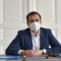 În timp ce în campanie a militat pentru abrogarea pensiilor speciale, Coliban a semnat o scrisoare în care primarii îi bat obrazul lui Cîțu că suspendă pensiile speciale pentru aleșii locali timp de un an