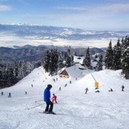 Poiana Brașov nu a reușit să profite, din cauza vremii, de turiștii care nu au mai putut să plece la schi în Austria sau Italia