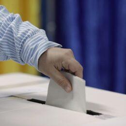 Brașovenii au votat mai mult decât la alegerile parlamentare din 2016. La orele 10.00, prezența era de 4,96% în județ