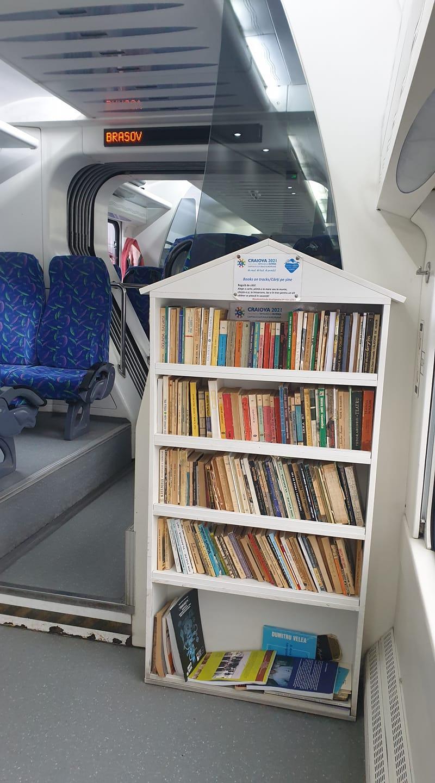"""""""Sala de lectură"""" pe șine, care te îndeamnă să citești atunci când călătorești"""