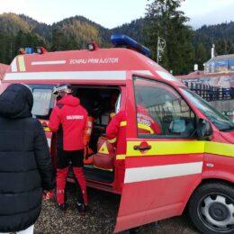 Salvamontiștii din Poiană, 3 intervenții pe pârtie ieri, dintre care una în cazul unei persoane care suferise un atac de panică