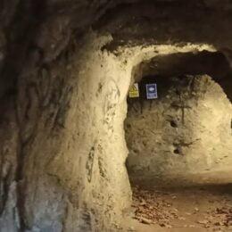 VIDEO O excursie virtuală în catacombele Brașovului