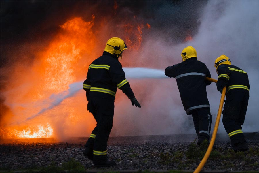 Arde o casă din Cristian! au fost chemați și pompierii din Râșnov