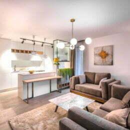 Chiriile au scăzut ușor în Brașov. Pentru un apartament, prețul mediu lunar este de 6,4 euro/metrul pătrat