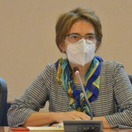 """Dr. Andrea Neculau, șefă DSP: """"Avem cazuri de infectare cu tuplina Delta în municipiu, însă Brașovul nu înregistrează un trend ascendent"""""""