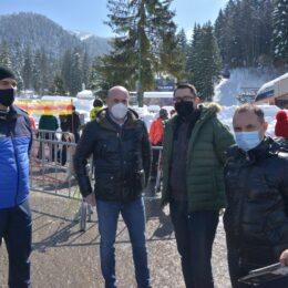 Primul control oficial al noilor restricții impuse în Poiana Brașov, în vederea diminuării aglomerațiilor. De mâine, vor fi mobilizate forțe de ordine suplimentare în stațiune