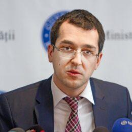 """Voiculescu va fi demis astăzi de la conducerea Ministerului Sănătății. Atribuțiile vor fi preluate de """"diamantul"""" Barna"""