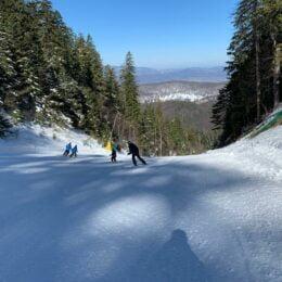 VIDEO Primăria se gândește să prelungească sezonul de schi până de Paște/ Decizia de prelungire va fi luată săptămânal, în funcție de starea tehnică a pârtiilor și de respectarea măsurilor anti-Covid