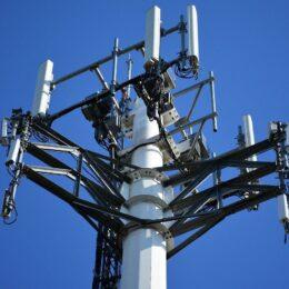 Guvernul a aprobat utilizarea 5G în România. Operatorii de telecomunicații vor trebui să obțină aviz de la CSAT