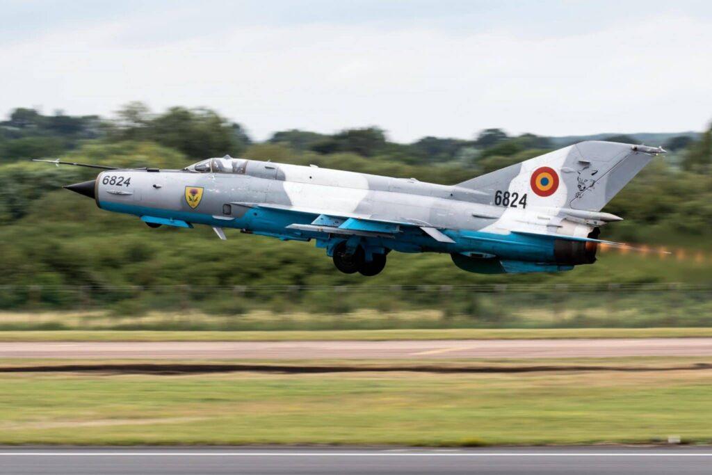 Pilotul care s-a catapultat astăzi dintr-un MIG-21 Lancer a lăsat Academia Forțelor Aeriene din Brașov pentru o instituție similară din Grecia