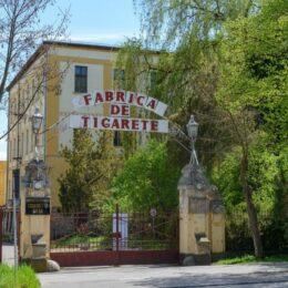 """Fabrica de Țigarete din Sfântu Gheorghe, unde se produceau brandurile """"Carpați"""" și """"Bucegi"""", cumpărată de Primărie cu 5 milioane de euro și transformată în Palat al Copiilor"""