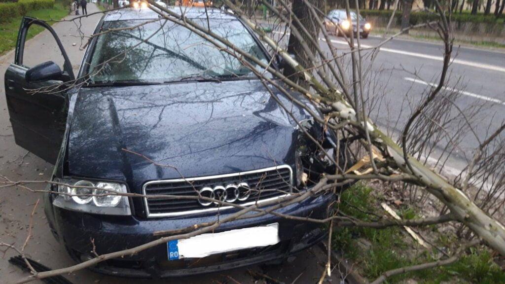 Reținut, după ce, băut și fără permis, a accidentat cu mașina un pieton