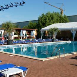 Prefectul Văsii cere redeschiderea piscinelor chiar dacă se va prelungi starea de alertă