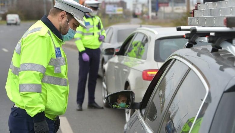 Polițiștii rutieri brașoveni au amendat peste 250 de șoferi, în minivacanța de Paște. 24 au rămas fără permis, după ce au fost prinși sub influența băuturilor alcoolice, alți 21, fiindcă au depășit neregulamentar