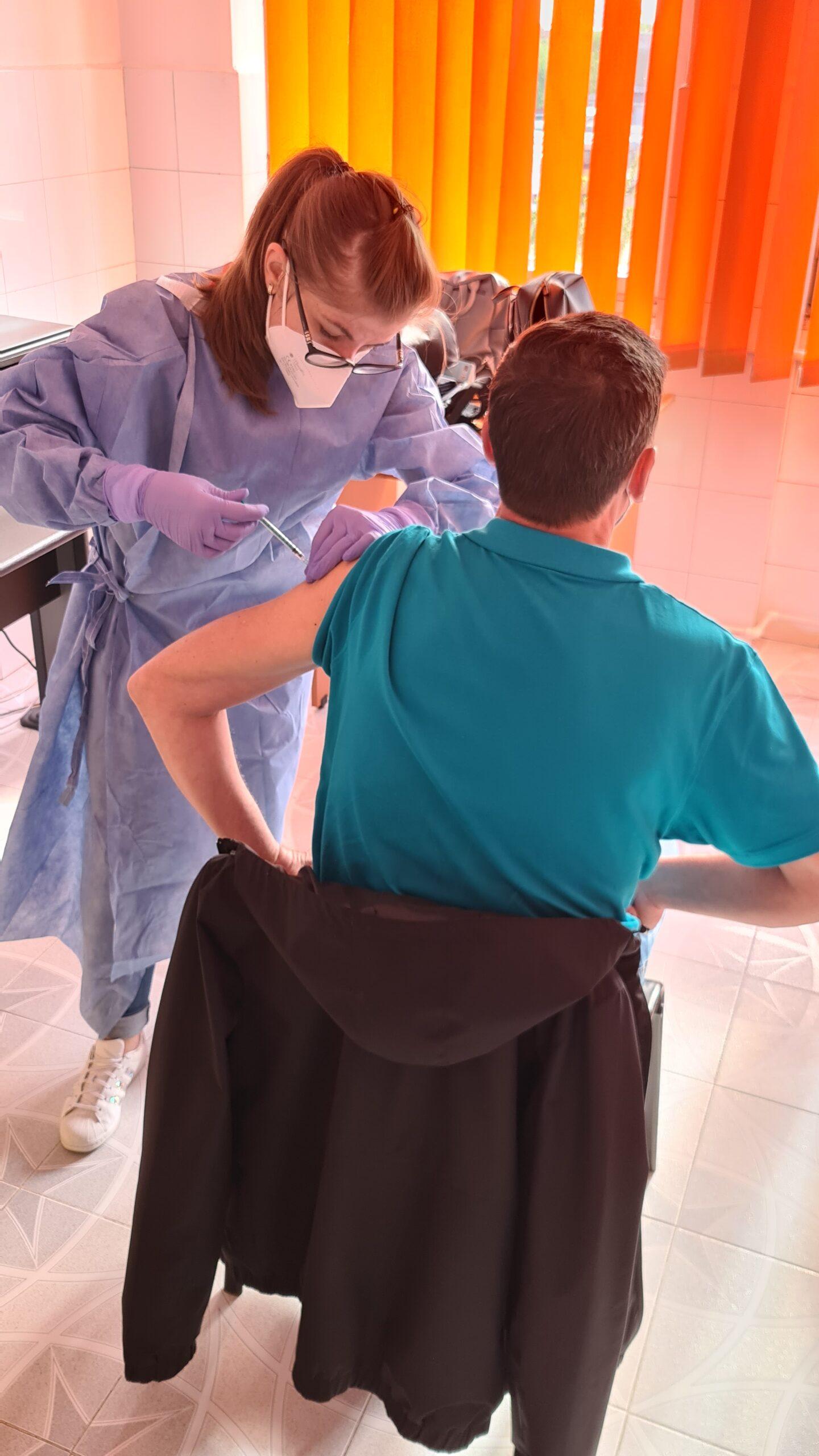 Peste 134.000 de persoane s-au vaccinat anti-COVID în centrele din județul Brașov