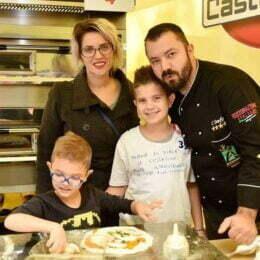 """Povestea făgărășeanului care a ajuns campion al Italiei la pizza. Ce l-a făcut să rămână în """"cizmă"""""""