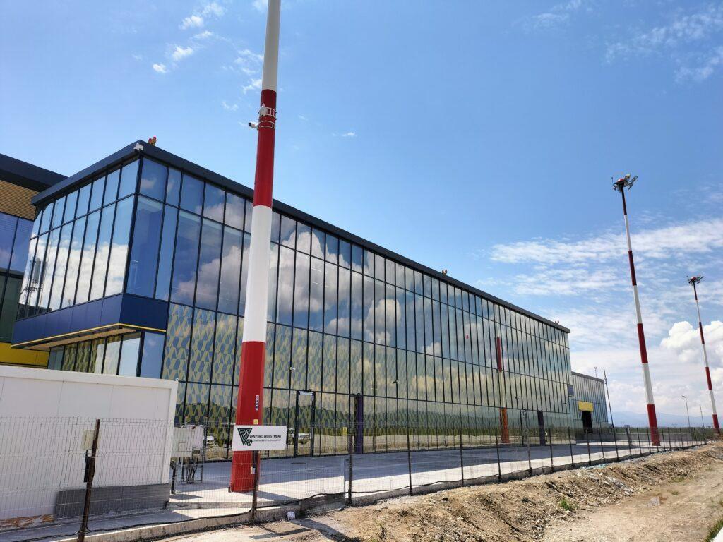 Aeroportul Internațional Brașov Ghimbav, clădirea terminalului de călători