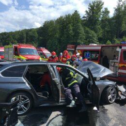 O persoană decedată și 6 rănite, după un accident la ieșirea din Perșani
