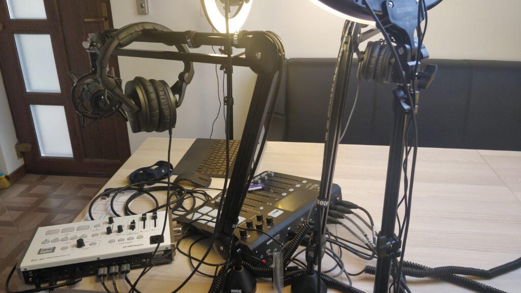 Echipamente Studio virtual KronCast Media, vocea brașovenilor