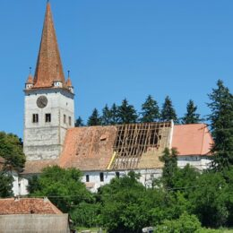 FOTO Au început lucrările de renovare a Bisericii Evanghelice Fortificate din Cincu. Bugetul proiectului este de peste 500.000 de euro